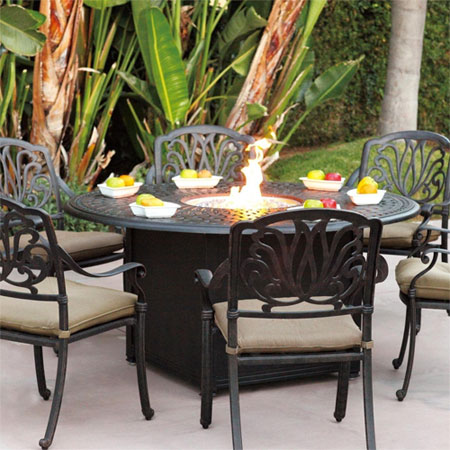 Round 7 Piece Fire Pit Table Set